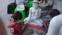 paintiing the Buddhas